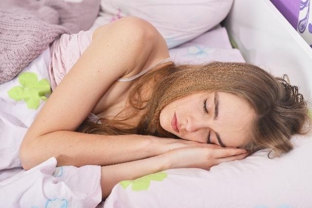 睡眠とお肌の関係は密接♪スキンケアより睡眠が美への近道!?