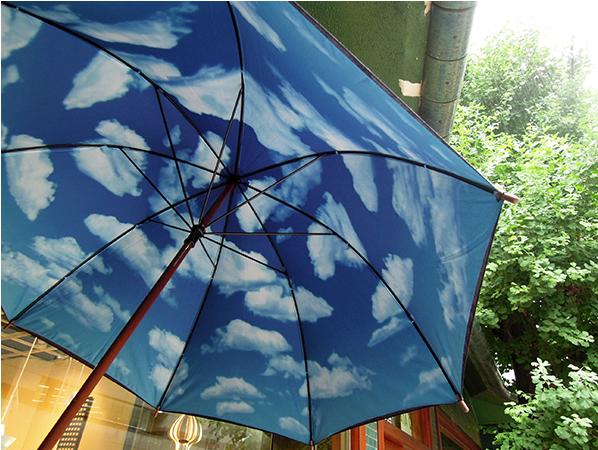 オシャレでユニークな傘で梅雨もへっちゃら!