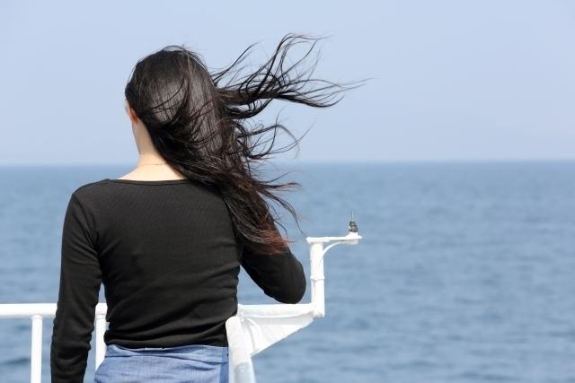 姉の髪の量が減ってなんだか寂しいの!何とかできないかしら!?女性の薄毛を本気で解決しましょ♪